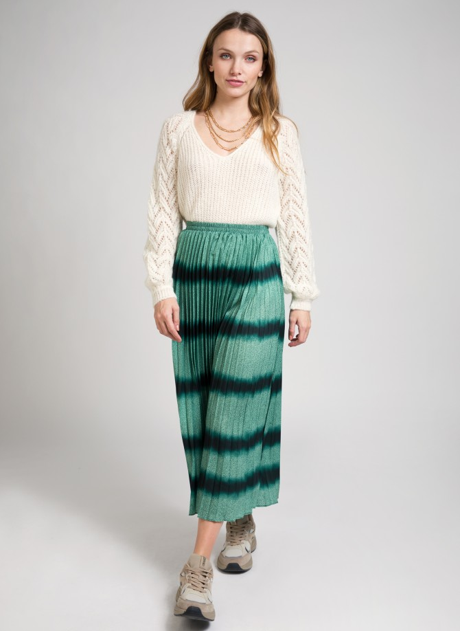 Tie and dye pleated skirt...