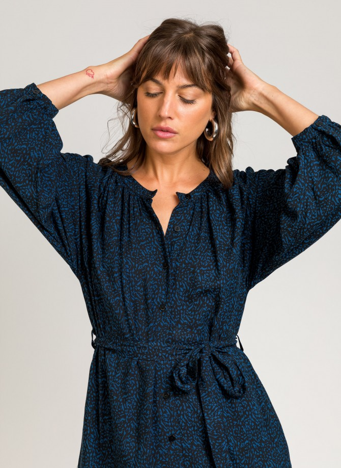 Long-sleeved button-down...